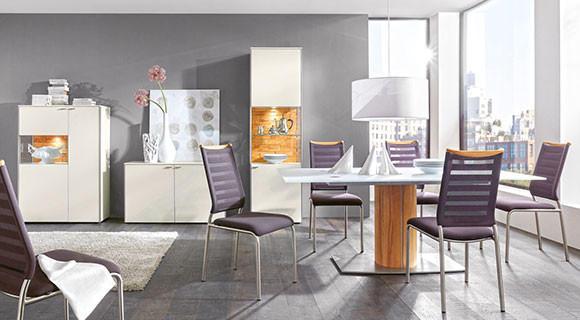 Venjakob Esszimmer farbige Stühle Qualitätsmöbel