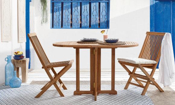 Gartentrends Gartenmöbel Weiss Blau Tisch Sessel Holz Braun
