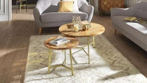 Set klub stolića u kombinaciji drva i metala