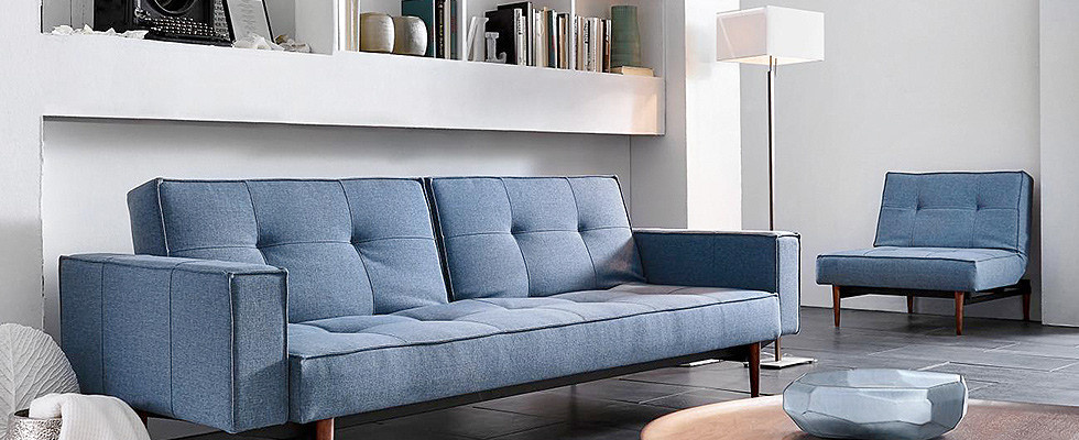 couch und sessel in blau