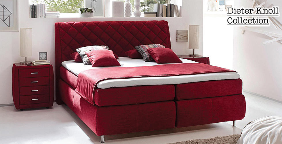 crveni boxspring krevet