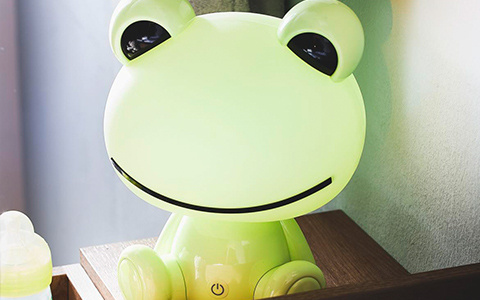 Kindertischleuchte Frosch in grün