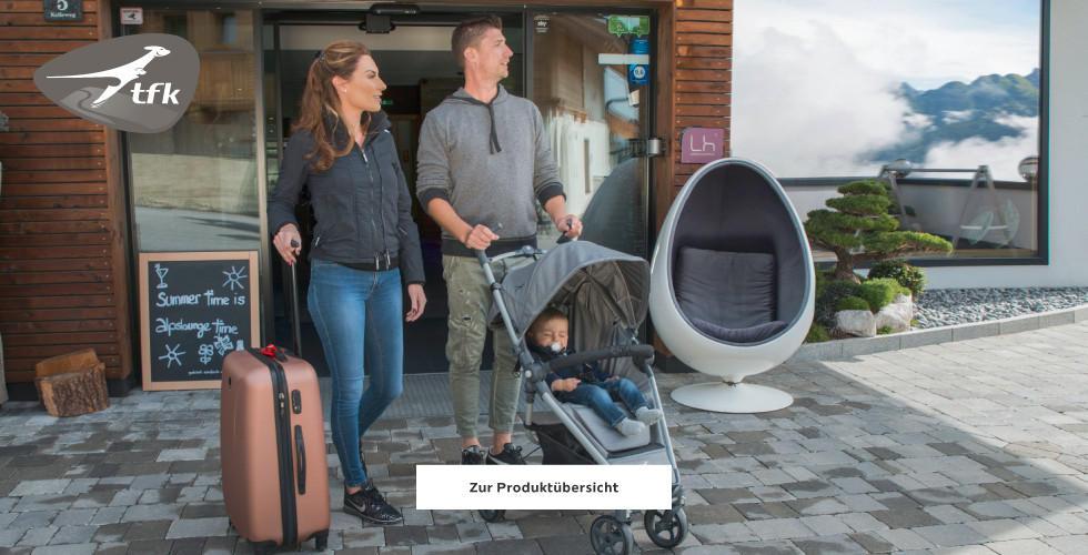 Familie auf Reisen mit TFK Kinderwagen