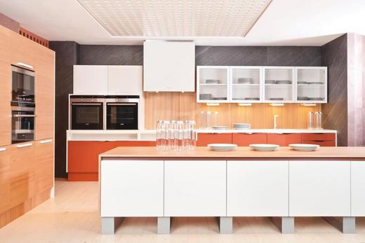 EINBAUKÜCHE - Design, Holz - Dan Küchen