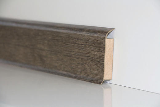 SOCKELLEISTE - Eichefarben, Basics (250/6/1,3cm) - Venda