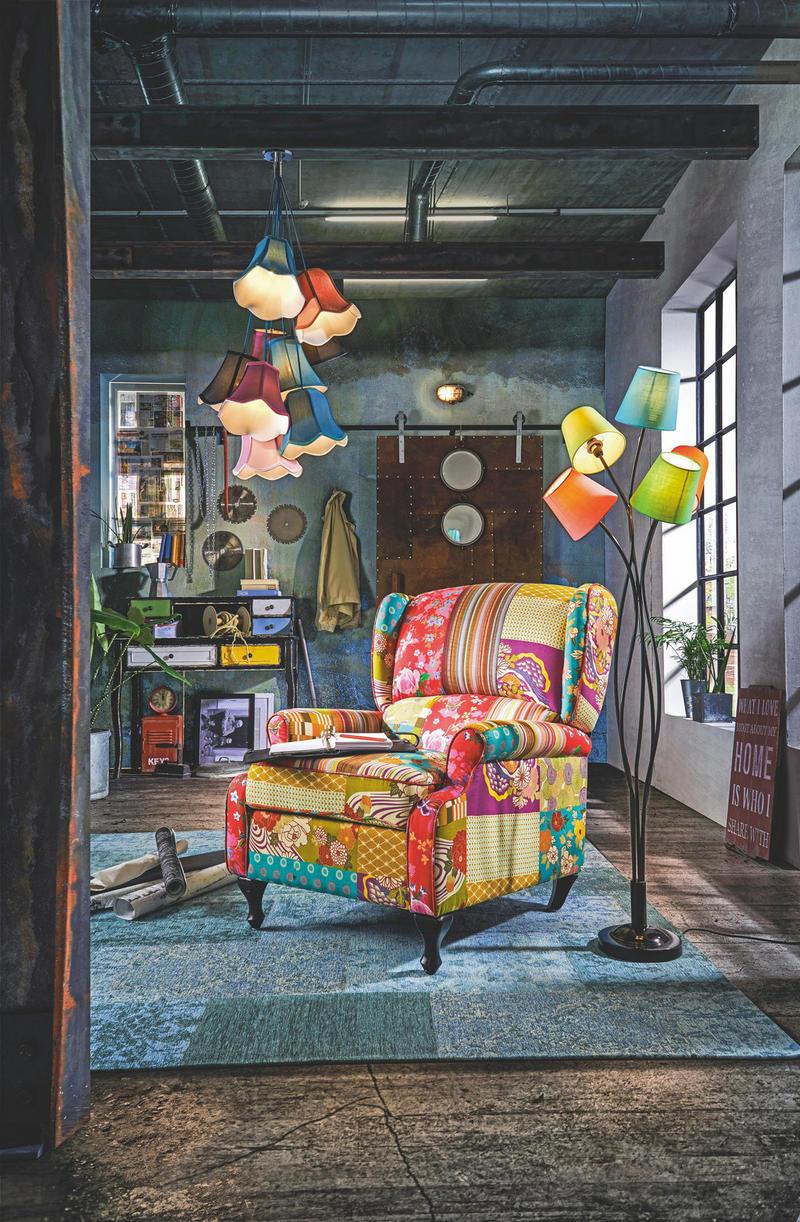 ÖRONLAPPSFÅTÖLJ - svart/multicolor, Lifestyle, trä/textil (77/96/93cm)