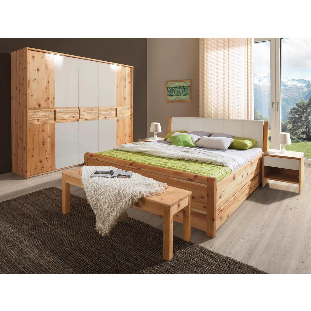 Linea Natura Schlafzimmer in zirbelkieferfarben