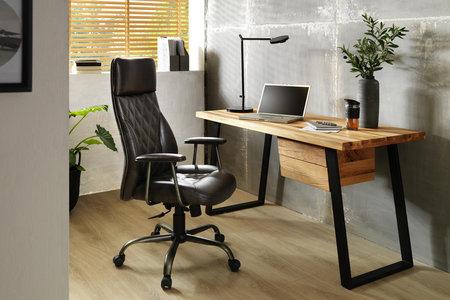 Schreibtisch Mit Schubladen Im Industrial Style
