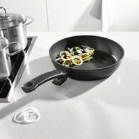 BRATPFANNE 28 cm - Schwarz, Basics, Metall (28cm) - Fissler
