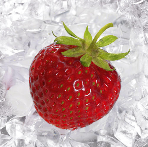 "Obst Glasbild ""Strawberry on ice"" - Multicolor, Basics, Glas (30/30cm) - Eurographics"